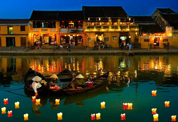 11 Day South to North Vietnam tour @1788$